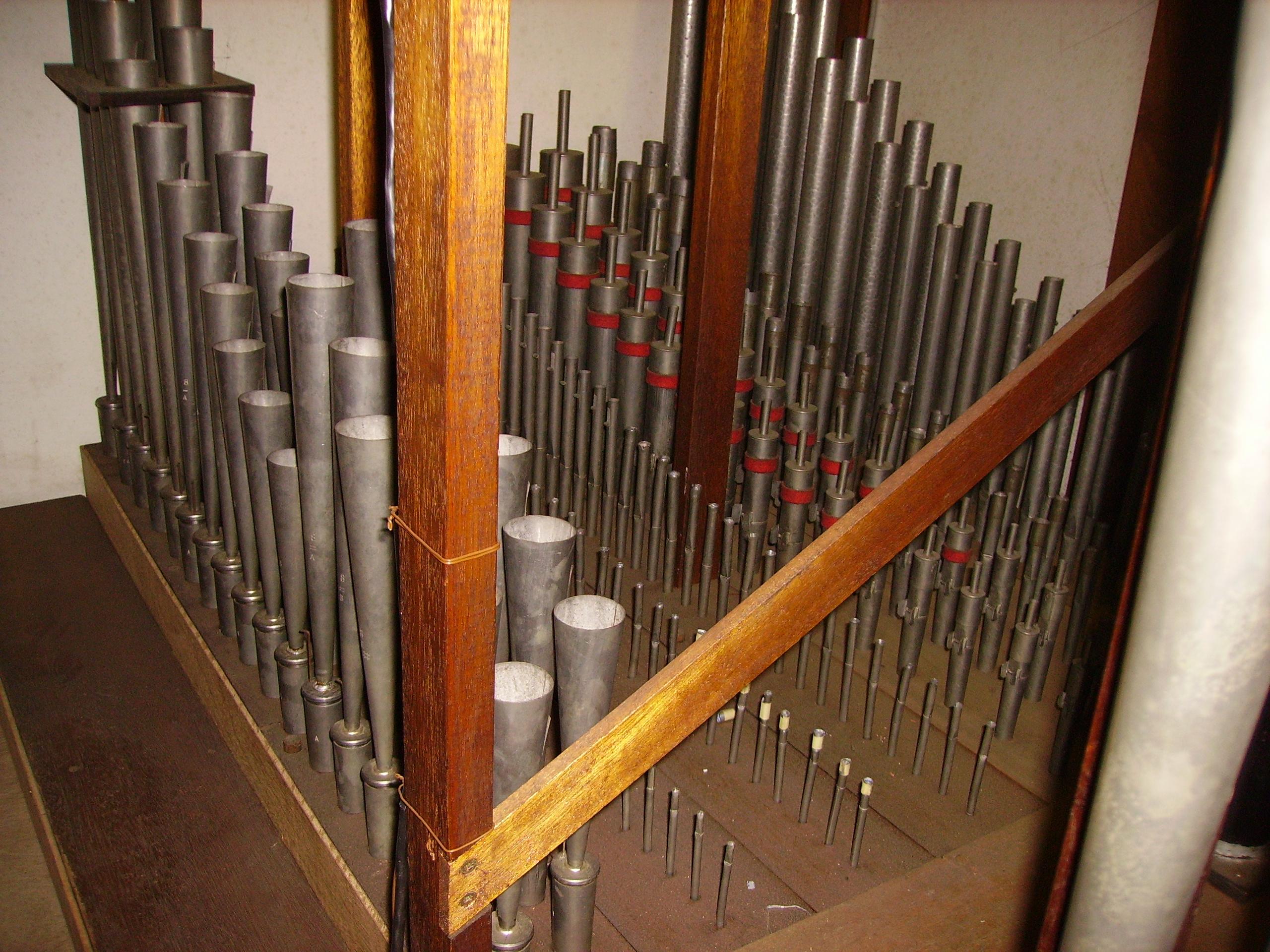 Binnenin het orgel